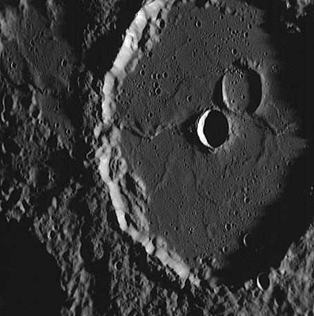 første rumfartøj på månen