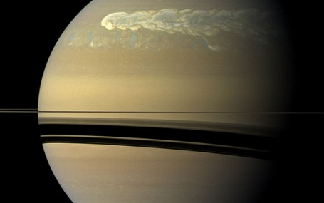 Saturns enorme storm i 2011